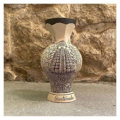 Florero-De-Piedra-Ceramica-Diseño-Dos-Templos---Ceramica-Mundo-Maya