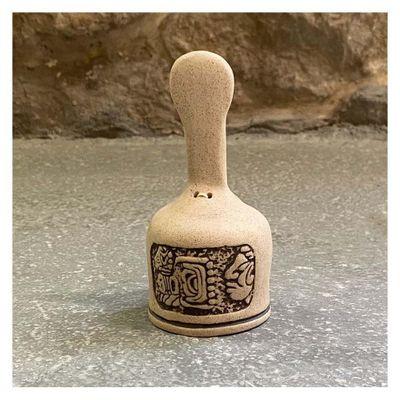 Campana-Pequeña-De-Piedra-Ceramicas---Ceramicas-Mundo-Maya